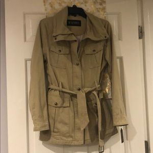 GUESS NWT Tan/Beige Jacket Size M
